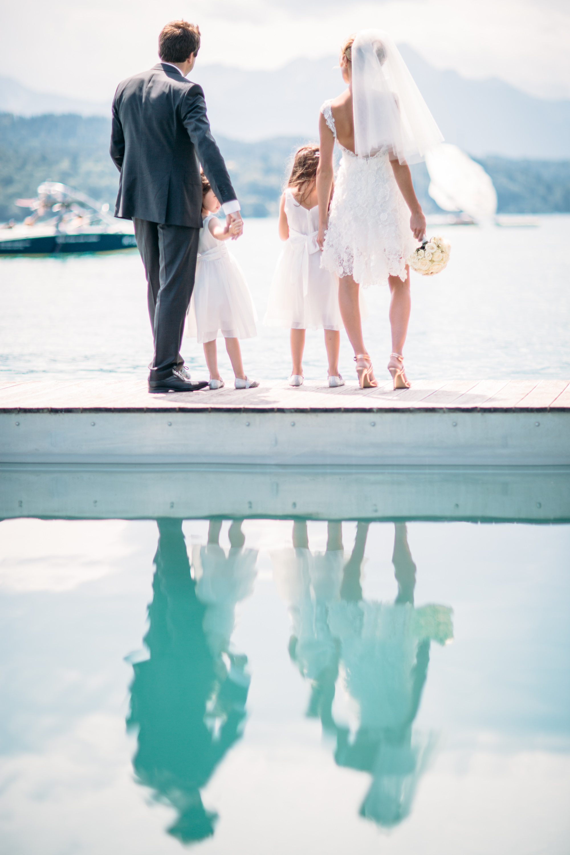 Happy Customers – small lakeside Wedding shoot