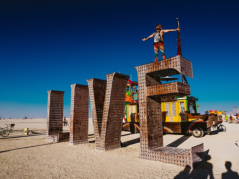 02_burningman.jpg