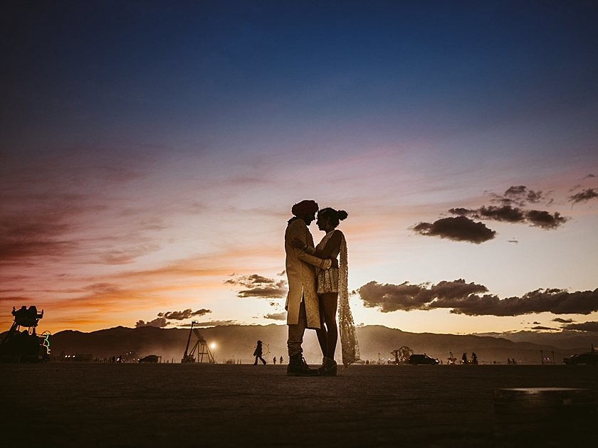 Burningman + Wedding = Magic       My Mission as Burningman Wedding Photographer
